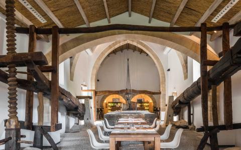 Son Brull Interior wooden beams