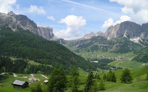 Dolomites mountain vistas